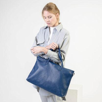 Bolso shopper piel azul Famara Naiara Elgarresta